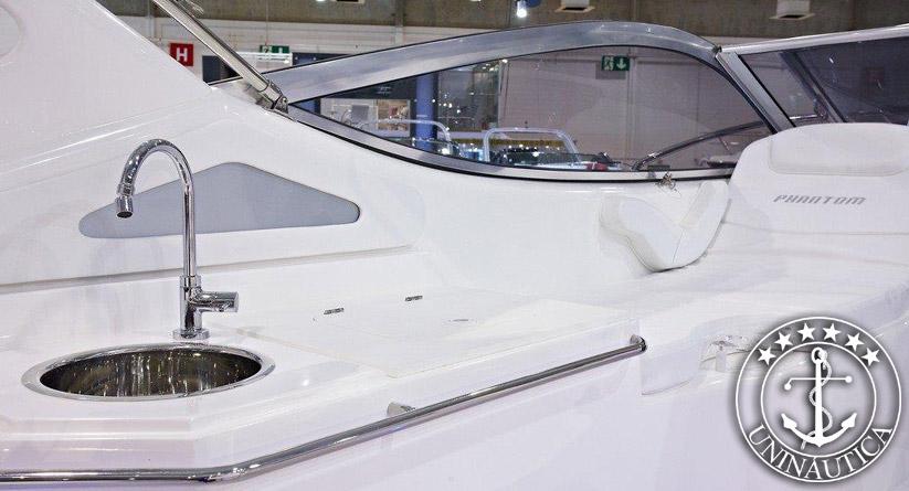 Phantom 303 - Lancha a venda