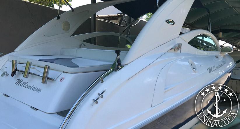 Barco usado Millenium 240 ano 2010 lancha a venda