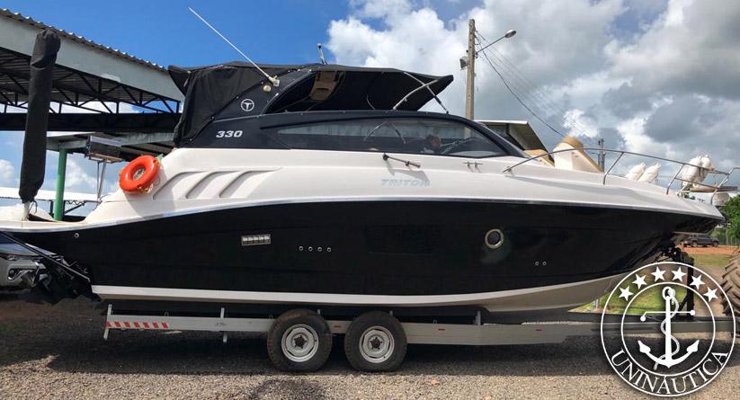 Barco usado Triton 330 lancha a venda