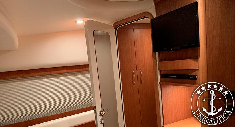 Lancha a Venda Intermarine 520 Full ano 2011 barco usado seminovo do estaleiro Intermarine