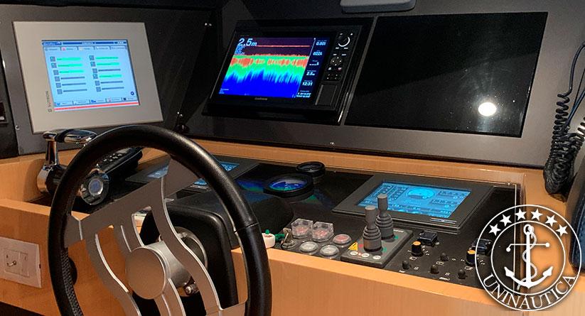 lancha a venda ferretti 76 ano 2009 barco usado seminovo fabricado pelo estaleiro Ferretti