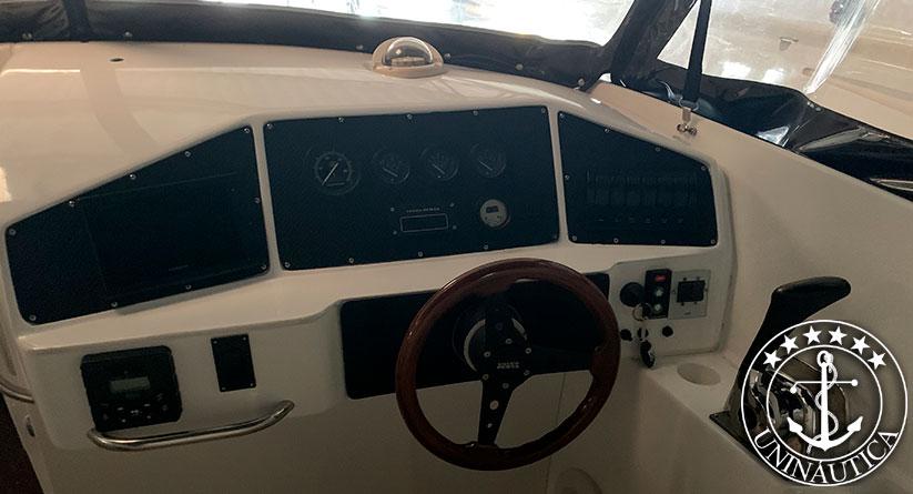 Lancha a venda Real Hawk 32 barco usado seminovo do estaleiro Real Power Boats
