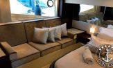 Lancha a venda Schaefer 560 barco seminovo do estaleiro Schaefer Yachts