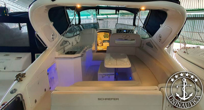 lancha a venda phantom 303 fabricada pelo estaleiro Schaefer Yachts barco usado e seminovo