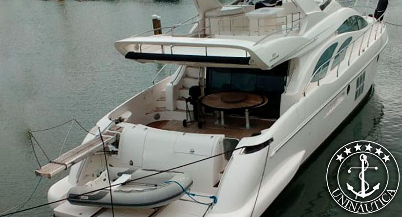 Lancha a venda Intermarine 680 Full ano 2012 barcos usados seminovos