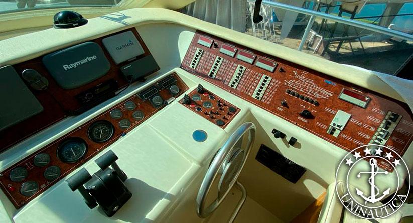 Lancha a venda Ferretti 43 estaleiro Ferretti barcos novos usados e seminovos