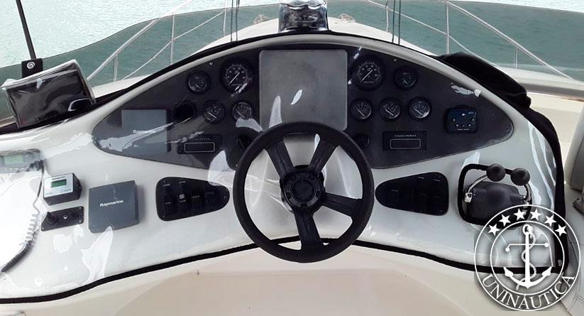 lancha a venda 460 Full fabricada pela intermarine em 2003 barcos usados e seminovos