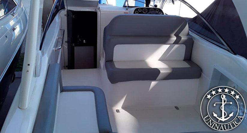 Lancha a venda Solara 28 ano 2016 com um motor Mercruiser 4.5L de 250HP barco seminovo e usados