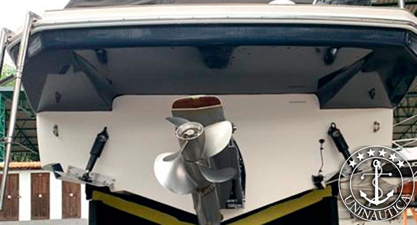 Lancha a venda Triton 295 fabricada pelo estaleiro Triton motor Volvo Penta V8 300HP diesel ano 2014 barcos usados e seminovos