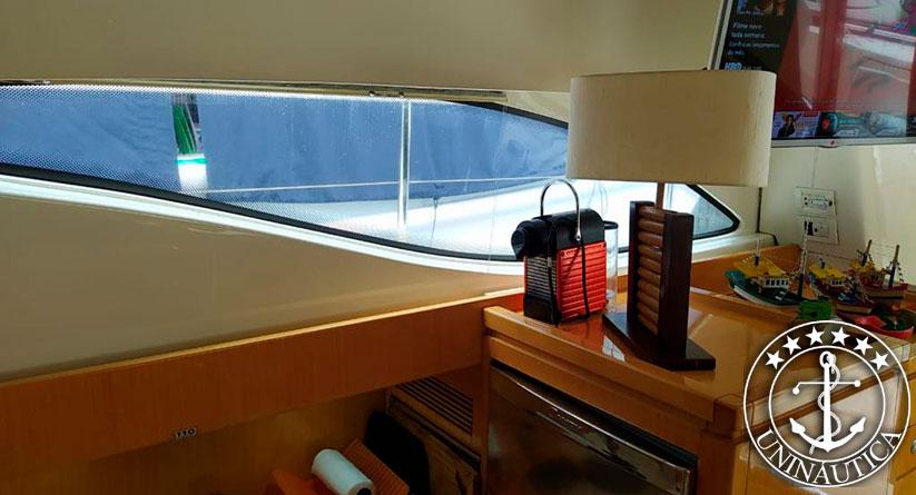 Lancha a venda Ferretti 46 fabricada em 2005 com dois Man de 630HP com estabilizador barcos usados e seminovos