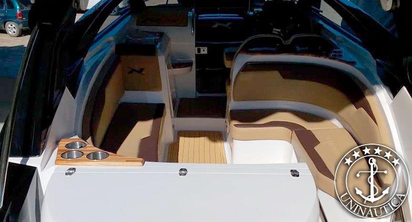 Lancha a venda NX 290 fabricada pela NX Boats no ano de 2018 com um motor Mercruiser 6.2L 300HP barcos seminovos e usados