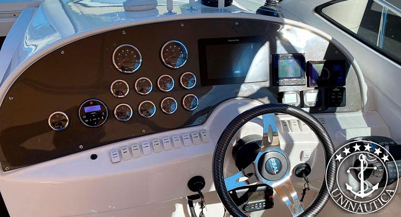 Lancha a venda Real 420 barcos usados e seminovos motor Mercruiser Axius 8.2L 380HP