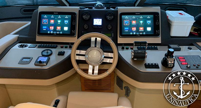 Lancha a venda Azimut 60 com dois motores Man de 800HP barcos usados e seminovos