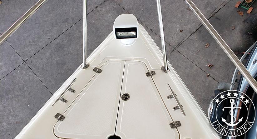 lancha a venda Phantom 375 com dois Mercruiser Axius de 260 HP barcos usados e seminovos
