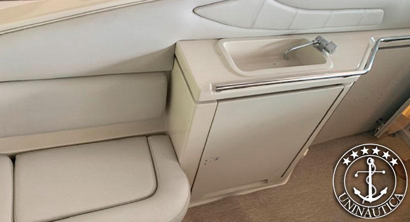 lancha a venda Regal 3220 fabricada em 1998 com motores novos. Barcos usados e seminovos