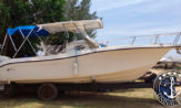 Lancha a venda modelo Fishing 26, lancha usada com 280h de uso e um motor Evinrude Etec 250HP. barcos usados a venda, seminovos e novos