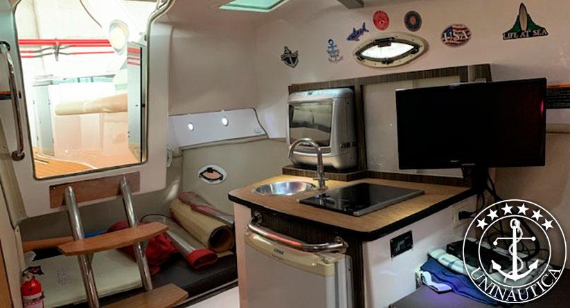 lancha a venda Focker 280 ano 2010 com motor Mercruiser mag 350 com 300HP barco usado completo com boiler e luz subaquática barcos usados a venda e lanchas seminovas