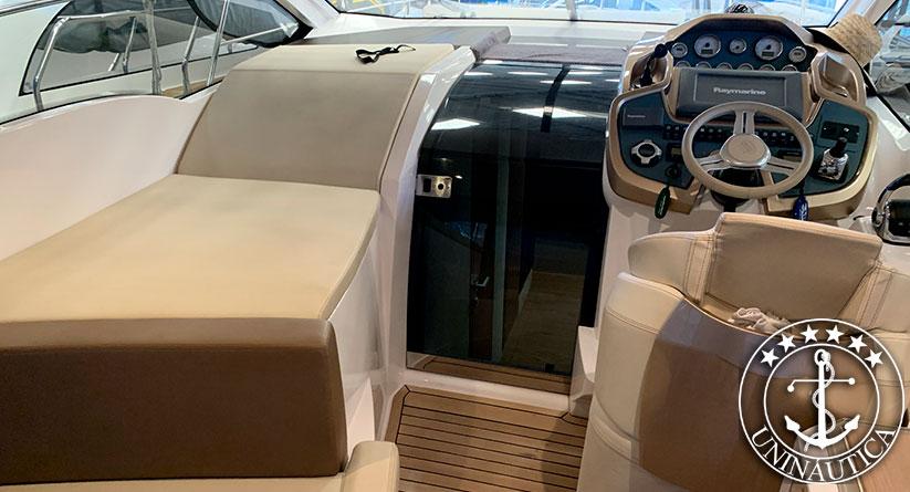 Lancha a venda Sessa 36 com dois motores Volvo D4 260HP completa barco usado e seminovos