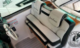 lancha a venda focker 320 fabricada em 2015 com dois motores Volvo Penta 4.3L 225HP com gerador e ar condicionado barcos usados e seminovos